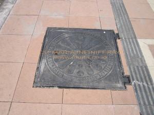 Manhole cover pedestrian