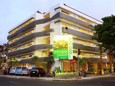 Manhole Cover Hotel Grandmas Bali