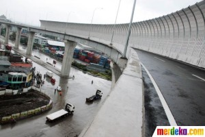 deck drain tol tanjung priok