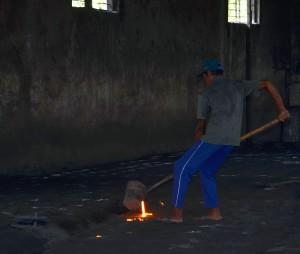 Proses Pembuatan Manhole Cover