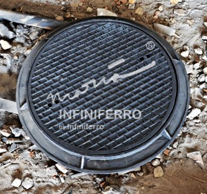 Manhole cover cast iron heavy duty