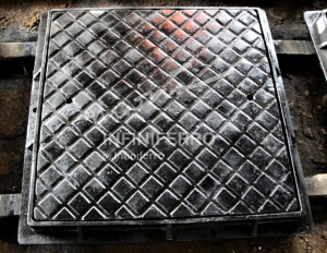 manhole cover motif anti slip