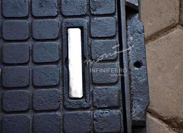 detail handle