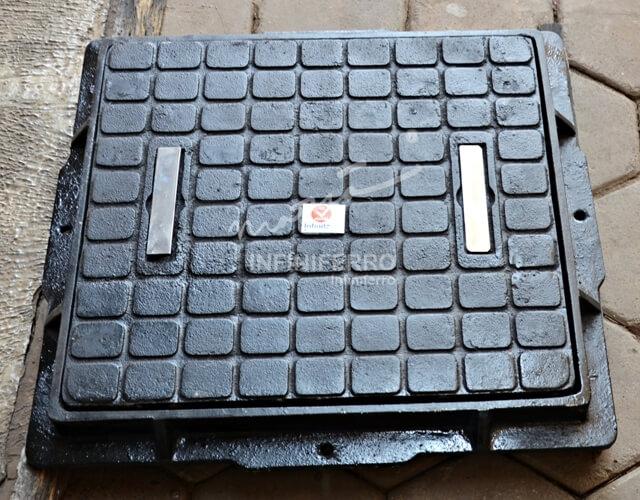 manhole cover dengan handle stainless steel